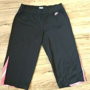 Nike Athletic Capri Pants Swoosh Size Small Black